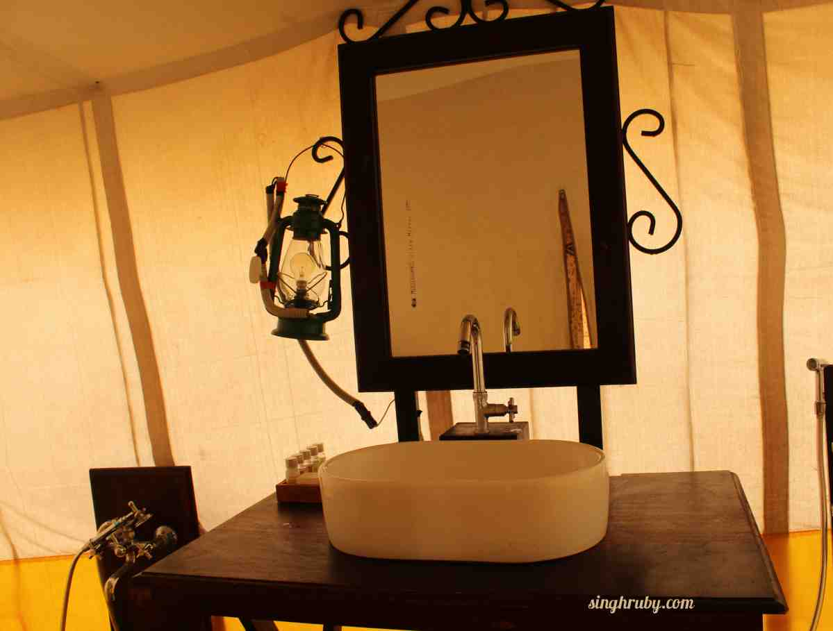 A sneak into the washroom of my tent at Festa De Diu