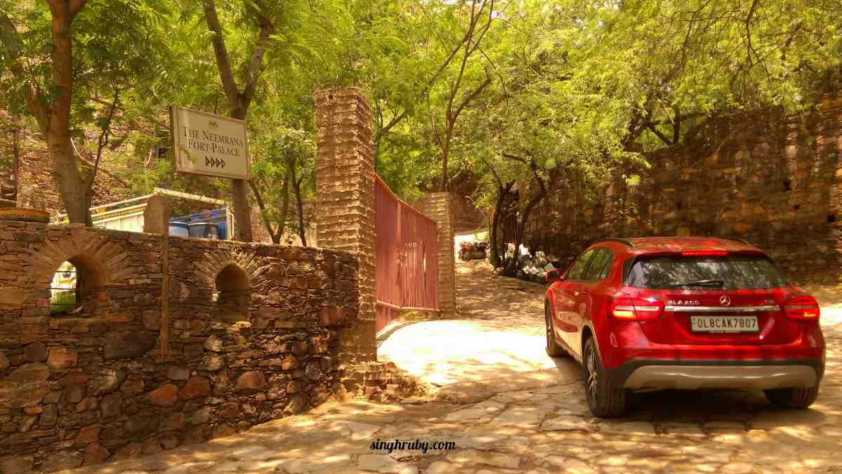 Luxury at Neemrana Fort Palace