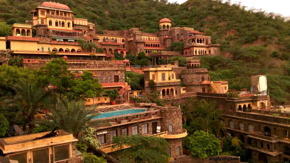 Neemrana Fort Palace, you beauty !